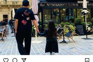 周杰倫曬出與女兒出游照