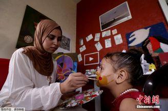 艺术家用面部彩绘教导儿童防疫