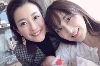 吴佩慈首次抱四胎女儿出镜