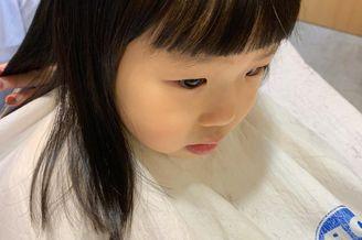小米粒剪头发 乖巧可爱