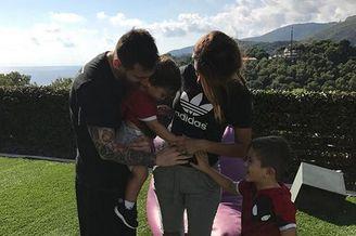 梅西老婆又怀孕梅西第三次当爸