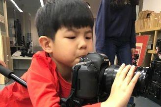 安吉变身摄影师