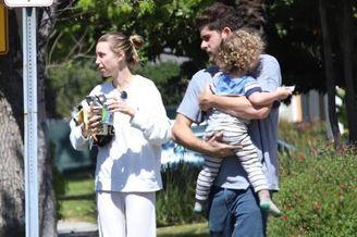 惠特尼·波特与家人出街游玩