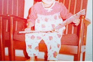 钟丽缇童年照和小女儿超像