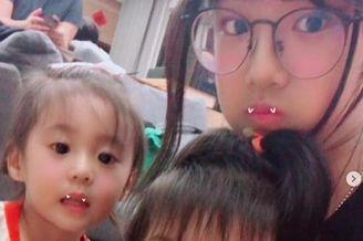 修杰楷陪三个女儿逛超市