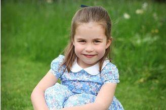 凯特王妃为夏洛特拍照庆生