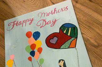 NeiNei和Max制作母亲节礼物