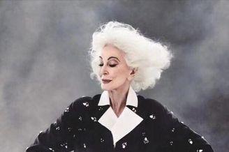 超模奶奶87岁,岁月带不走优雅