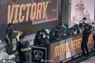 LOLS9全球总决赛RNG vs FNC