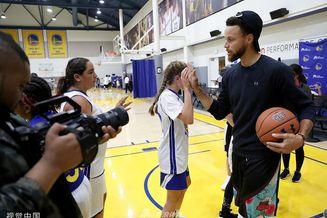 金州勇士举办篮球女孩训练营