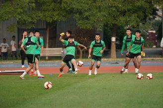 国安举行足球公开课