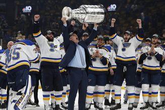 NHL蓝调历史首夺斯坦利杯