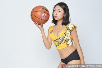 广厦篮球宝贝高跟美腿助威