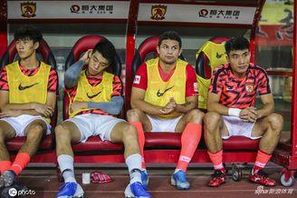 郑智非中国首位球员兼教练