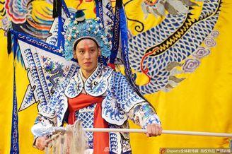 书豪现身湖广会馆体会传统文化