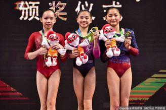 女子高低杠决赛颁奖仪式