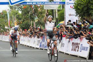 环印尼自行车赛精彩赛况