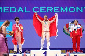 举重世锦赛蒋惠花49公斤级夺冠