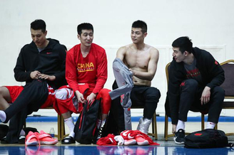 中国男篮赛前训练备战世预赛