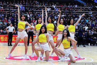 CBA季前赛 篮球宝贝热舞助阵