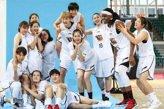 山西女篮新赛季官方写真