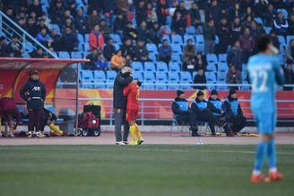 U23国足队长何超被红牌罚下