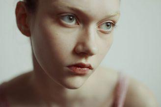 朦胧柔美的少女影像
