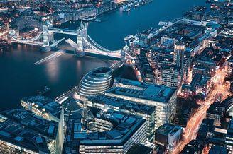 现代与未来融合的伦敦城