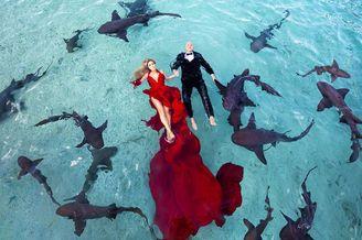 开启震撼视觉的水下婚纱