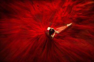 热情浓郁的视觉 20张红色主题灵感画面