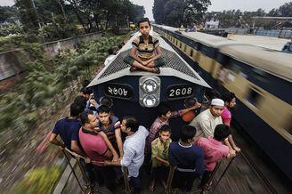徘徊危险边缘 孟加拉火车顶的开挂人生
