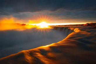 体验四时变更 尼亚加拉大年夜瀑布的娟秀风景