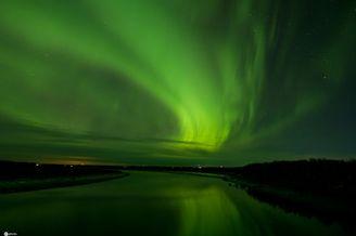 美国阿拉斯加州现绚丽北极光