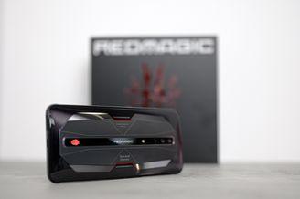 红魔游戏手机 6Pro上手:165Hz刷新率的大屏游戏手机