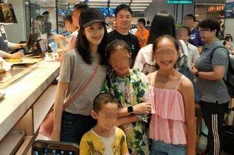 章泽天刘强东素颜甜蜜逛超市 与小粉丝合影显亲切