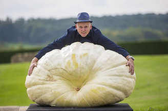 英国举办巨型蔬菜大赛