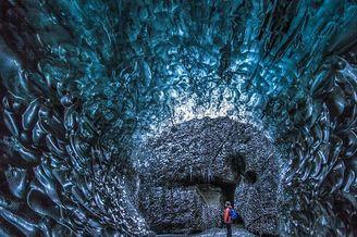 冰岛天然蓝色冰洞非凡变化