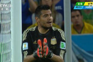 视频-波黑悍将头球抢点 阿根廷门将奋力救险