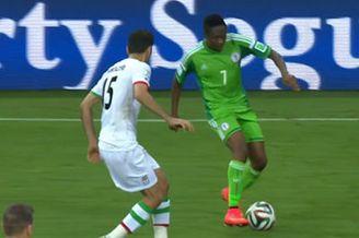 视频-尼日利亚连续头球发难 后卫前顶后挡临危救主