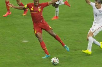 视频-孔帕尼后场断球奔袭 前插抢点错失绝杀良机
