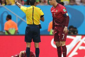视频集锦-C罗破门加纳乌龙 葡萄牙2-1仍出局