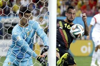 视频集锦-热刺铁卫献绝杀 韩国负10人比利时垫底