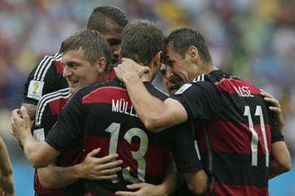视频集锦-穆勒破门拉姆救险 德国1-0美国携手出线