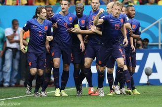视频-第24比赛日全景回顾 范佩西点杀荷兰夺季军