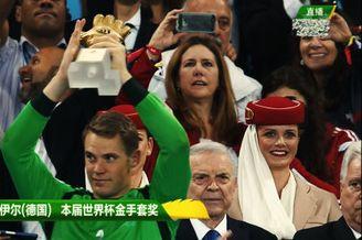 视频-MV致敬圣诺伊尔 世界杯金手套这样炼成