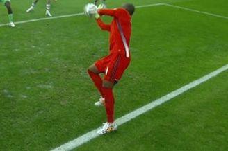 视频-伊朗角球头槌险破门 尼日利亚门将发威护主