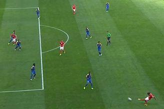 视频-瑞士传跑精妙配合 妖锋推射遭争议越位判罚