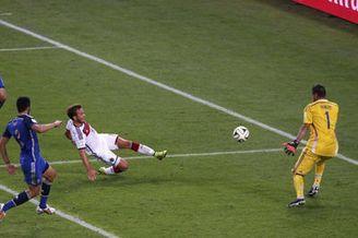视频-巴西世界杯经典回顾 这些瞬间值得永久回味