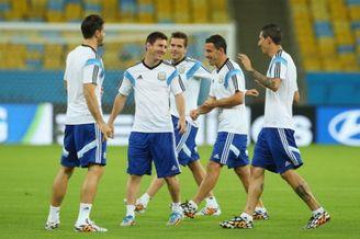 阿根廷战波黑首发要踢532 伊瓜因替补梅西搭档阿圭罗