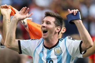 梅西:希望决赛击败巴西夺冠 世界杯比金靴更重要